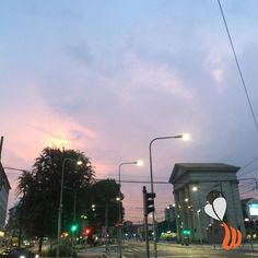 Piazza XXIV maggio Milano. Le meraviglie del cielo! #igersmilano #igerslombardia #milano #milan #milanodavedere #sky #pink #clouds #cielo #beautiful #follow #picoftheday #bestoftheday #photooftheday #vscocam #vsco #womboit