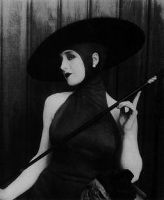 Le Parfum de la Dame en Noir : Vertige