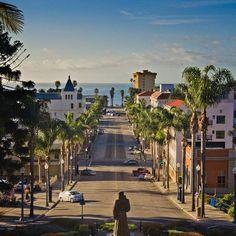 Downtown Ventura, CA from city hall to the beach.         (90) Ventura