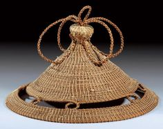 Very typical hat ~ 'Khaebana' ~ from the Sotho people of Lesotho African Crown, African Hats, African Tribes, African Wear, African Print Fashion, African Fashion Dresses, Small Water Features, Black King And Queen, Xhosa