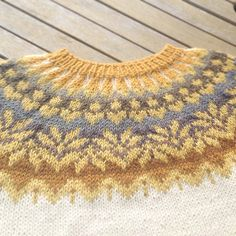 Ravelry: Project Gallery for Afmæli - anniversary sweater pattern by . Knitting Designs, Knitting Projects, Knitting For Kids, Hand Knitting, Icelandic Sweaters, Crochet Wool, Fair Isle Pattern, Fair Isle Knitting, Knitting Patterns