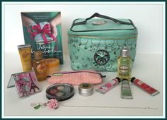 Suze likes, loves, finds and dreams: 1,000,000 Views Giveaway 19: Filled Beauty Bag