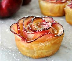 Voici une recette facile et astucieuse qui ne manquera pas d'égayer vos desserts et d'épater vos amis.