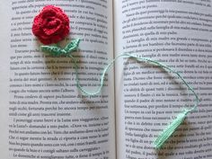 Segnalibro con rosa all'uncinetto / crochet bookmark