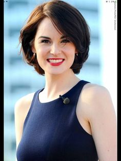 Michelle Dockery- what a magnificent smile you've aw! Short Hairstyles For Women, Cool Hairstyles, Short Haircuts, Michelle Dockery, Medium Hair Styles, Curly Hair Styles, Short Hair Cuts For Women, Hair Dos, New Hair