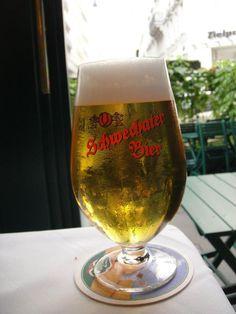 Schwechater, Vienna Austria Drink Beer, Vienna Austria, White Wine, Movie Stars, Alcoholic Drinks, Good Food, Gardening, Places, Travel