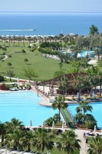 #Antalya - #AntalyaHotels - #AksuAntalya - Barut Hotels Lara Resort Spa & Suites - http://www.antalyahotels724.com/aksu-antalya/barut-hotels-lara-resort-spa-suites - Hotel Information: Address: Guzeloba Mah. Tesisler Cad. No :one hundred seventy Kundu, 07100 Kundu, Aksu Antalya This beachfront lodge in Antalya options H à la carte eating places and spa with Turkish tub. Just 10 km from Antalya Airport, it presents indoor and outside swim