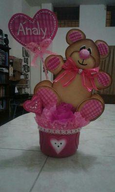 Manualidades de mamá Valentine Decorations, Valentine Crafts, Valentines, Baby Shower Themes, Baby Shower Decorations, Foam Crafts, Diy And Crafts, Baby Sock Bouquet, Birthday Cheers