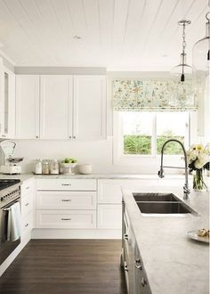 American beauty: State-side style - The American dream is alive and well in this simply stunning Sydney home - Farmhouse Style Kitchen, Modern Farmhouse Kitchens, Country Kitchen, New Kitchen, Cool Kitchens, Kitchen Dining, Kitchen Decor, Kitchen Ideas, Awesome Kitchen