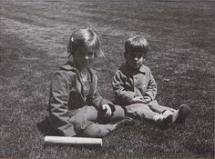 hickoryhypothesis: Caroline and John on the White House lawn.