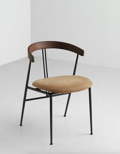 Violin Chair — GUBI Person Sitting, Steel Frame, Violin, Dining Chairs, Armchair, Pure Products, Contemporary, Indoor, Interior