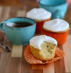 These simple Earl Grey Tea Cupcakes are the afternoon snack you've been waitin. Tea Cupcakes, Fluffy Cupcakes, Baking Cupcakes, Cupcake Recipes, Cupcake Cakes, Snack Recipes, Mini Cakes, Cream Cheese Buttercream, Vanilla Buttercream