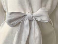 Jade and May Medium Weight Luxury Linen Kimono - Snow