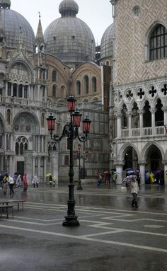 Rain in San Marco Plaza, Venice, Italy (by albireo2006 on Flickr)