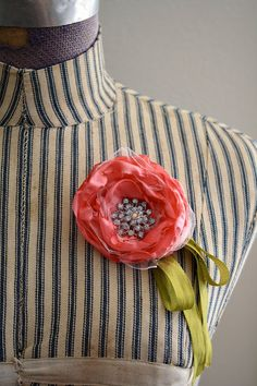 Fabric Flower Brooch - tutorial from One Lucky Day