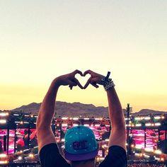Take Me To Tomorrowland Avicii, Lps, Tomorrowland Festival, Concert Crowd, Nightclub Design, A State Of Trance, Festival Photography, Techno Music, Best Dj