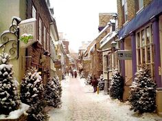 Most Beautiful Snowy Cities Top Winter Towns - Quebec, Canada Quebec Montreal, Old Quebec, Quebec City, Ottawa, Oh The Places You'll Go, Places To Travel, Places To Visit, British Columbia, Winter Wonderland