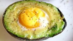Is your avocado too hard? Learn how to ripen a rock hard avocado in just 10 minutes. Ripen an avocado fast! Hard Avocado, Avocado Egg Bake, Avocado Tree, Avocado Toast, Avocado Breakfast, Breakfast Bake, Breakfast Recipes, Breakfast Ideas, Clean Eating Challenge