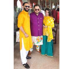 This Sabyasachi bride's Offbeat Mehendi look is breaking the internet! Sabyasachi Bride, Mehendi, Dress Shoes, Shoes Heels, Internet, Design Model, Brides, Pink, Swag
