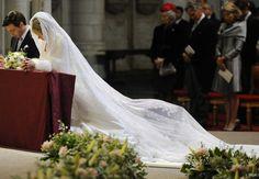 Marie-Christine d'Autriche  Une merveille, dont la dentelle aurait autrefois orné le berceau du roi de Rome, le fils de Napoléon Ier et de l'impératrice Marie-Louise, née Marie-Louise d'Autriche.