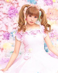 Kyary Pamyu Pamyu~~♥♪♫ Japanese music & fashion icon--!☆★☆ kawaii fashion. . .pastel. . .twin tails. . .ribbons