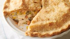 classic chicken pot pie recipe has a flaky, buttery crust, a creamy sauce and a hearty mix of chicken and vegetables. Plus, it's super easy to make, which makes it a great recipe for beginner cooks and busy families alike. Pie Recipes, Great Recipes, Chicken Recipes, Cooking Recipes, Favorite Recipes, Cooking Ideas, Dinner Recipes, Chicken Bacon, Dinner Ideas