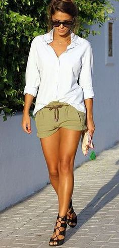 Latest fashion trends: Casual look | Khaki shorts, white blouse and strapped heels