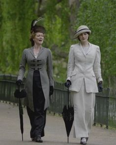 Downton Abbey women--I wouldn't be able to get anything done dressed like this, but sure would love to just sit around in the clothes and hats. Description from pinterest.com. I searched for this on bing.com/images