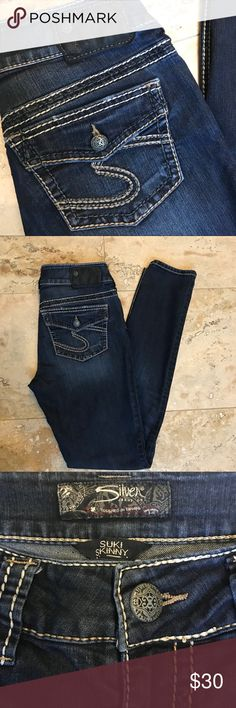 "Silver Jeans Suki Skinny Size 27/31 Silver Jeans Suki Skinny size 27/31. Measurements: Waist 14.5"", Rise 8"", Inseam 31. Excellent condition! Silver Jeans Jeans Skinny"