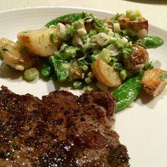 HelloFresh - Pepper Crusted Steak & Warm Potato Salad Up Close