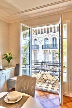 Paris in the morning. | Audrey Loves Paris ᘡղbᘠ