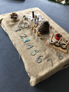 Reggio Emilia Preschool, Reggio Emilia Classroom, Reggio Inspired Classrooms, Eyfs Activities, Toddler Activities, Early Years Practitioner, Maths Investigations, Curiosity Approach, Early Years Maths