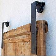 binario porta scorrevole esterno muro termosifoni in ghisa ...