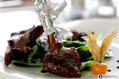 Frigarui de berbecut cu salata Tabouleh