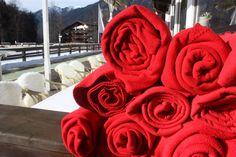 Kuschelige Fleece-Decken zur Winterhochzeit auf der Seeterrasse, Seehaus Riessersee Hotel Resort Garmisch