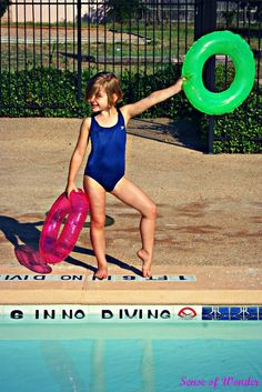 Fun pool games for kids: Sense of Wonder Play School's Red Light Green Light pool game