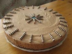 Tämä on monen kehumaa ja äärettömän hyvää! Suklaakakkufanin unelma. Ja vaikka Pätkistä tulee vähän suhteessa maitosuklaan määrään, niin se ... Finnish Recipes, Cheesecake, Deserts, Food And Drink, Pie, Candy, Cookies, Baking, Sweet