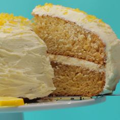 Vegan Lemon Cake Ultra-lemony vegan lemon cake with a velvety lemon buttercream frosting. This delicious vegan cake is perfectly moist and spongey and will make all your lemon cake dreams come true. Cake Recipes From Scratch, Easy Cake Recipes, Frosting Recipes, Baking Recipes, Vegan Lemon Cake, Cake Vegan, Gluten Free Vegan Cake, Eggless Lemon Cake, Dairy Free