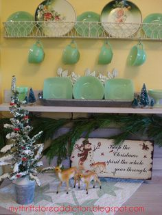 My Thrift Store Addiction : The Eleventh Day of Christmas: Thrift Store Whimsy and Vignettes #VintageChristmas #ThriftStoreVignettes