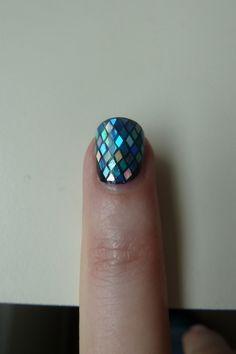 Mermaid nails by reva Funky Nails, Love Nails, How To Do Nails, Pretty Nails, Mermaid Nails, Mermaid Glitter, Mermaid Sequin, Cute Nail Art, Bling