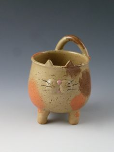 Calico Cat Ceramic Bowl or Cup by FlynnDayPottery on Etsy 3500 Pottery Mugs, Pottery Bowls, Ceramic Pottery, Pottery Art, Slab Pottery, Thrown Pottery, Pottery Studio, Pottery Animals, Ceramic Animals