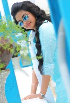 Celebritys photos, fashion photos, party pics, celeb families and Celebritys videos looking Beautiful Girl Photo, Beautiful Girl Indian, Most Beautiful Indian Actress, Beautiful Girl Image, Beautiful Women, Beauty Full Girl, Cute Beauty, Beautiful Bollywood Actress, Beautiful Actresses