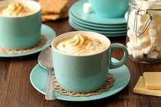 Calling all the cheesecake fans! This cheesecake hot chocolate will the best part of your holiday season.