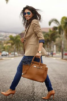 The tan and blue together--24 Fashionable Outfits Inspiration