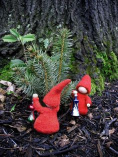 decoratinggnomes--felted gnome children (website expired, so no directions :( )