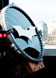 bat signal ,hihihhi oh yes!! (*)