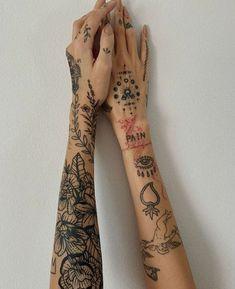 Dainty Tattoos, Mini Tattoos, Body Art Tattoos, Small Tattoos, Sleeve Tattoos, Cool Tattoos, Tatoos, Feminine Tattoos, Earthy Tattoos