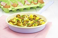 SCRAMBLED EGGS WITH CHANTERELLE MUSHROOMS Chanterelle Recipes, Mushroom Recipes, How To Make Salad, Scrambled Eggs, Potato Salad, Macaroni And Cheese, Stuffed Mushrooms, Soup, Cooking Recipes
