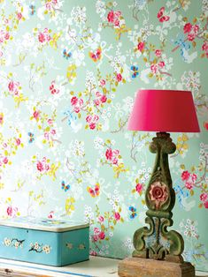 Floral Wallpaper by Pip Studio and a gorgious lamp