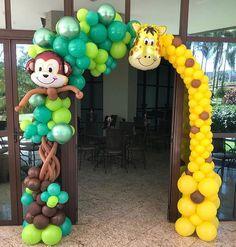 Super funny giraffe and cute monkey is smiling to you right in the front of the party ! Giraffe Birthday Parties, Safari Theme Birthday, Jungle Theme Parties, Wild One Birthday Party, Baby Boy Birthday, Safari Party, Birthday Party Themes, First Birthday Decorations, Balloon Decorations Party